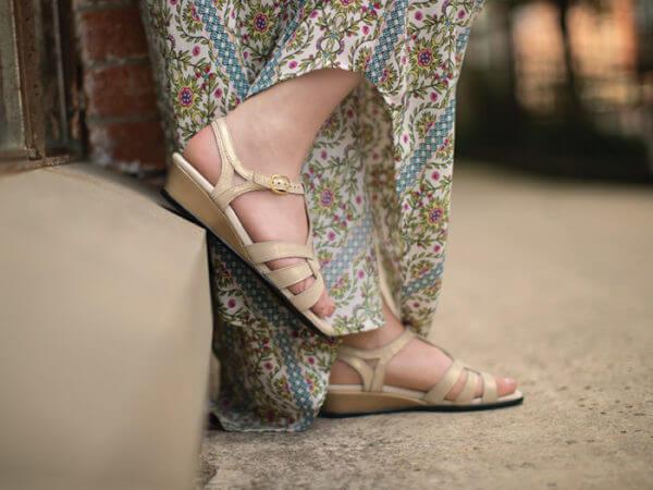 Aurora - Women's Sandals